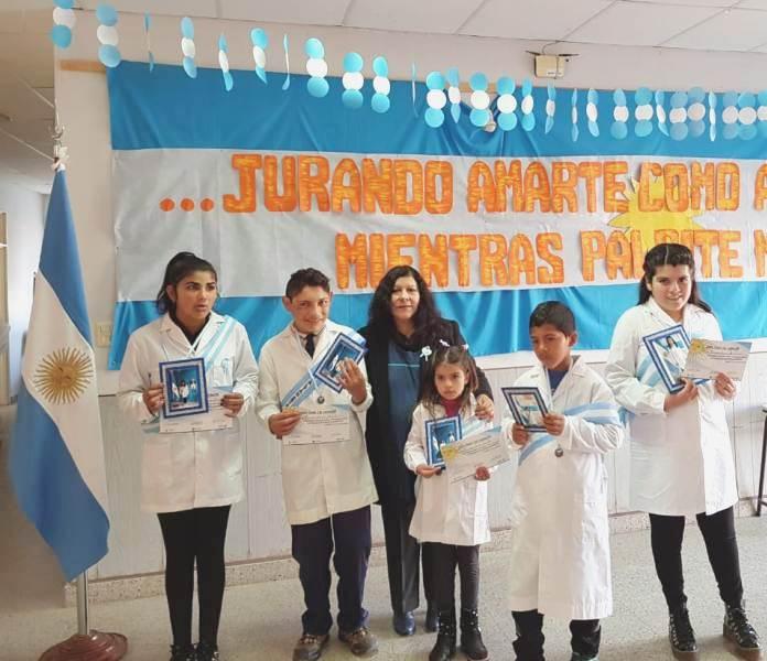Chepes: Alumnos de la Escuela Especial prometieron Lealtad a la Bandera