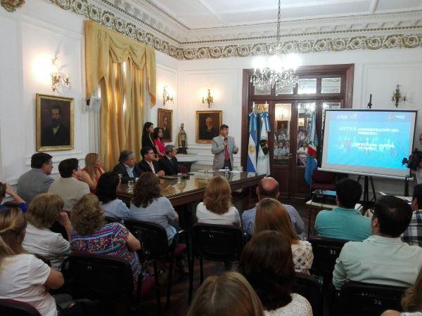 Presentaron p gina web del ministerio de hacienda for Pagina web ministerio interior